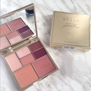 Stila Perfect Me, Perfect Hue Palette - Light/Med